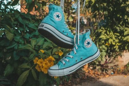 Las zapatillas que no querrás quitarte en lo que queda de año son de Converse y cuestan menos de 50 euros