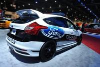 SEMA 2013: Ford Focus ST By Drag Racing Against Gangs & Grafitti