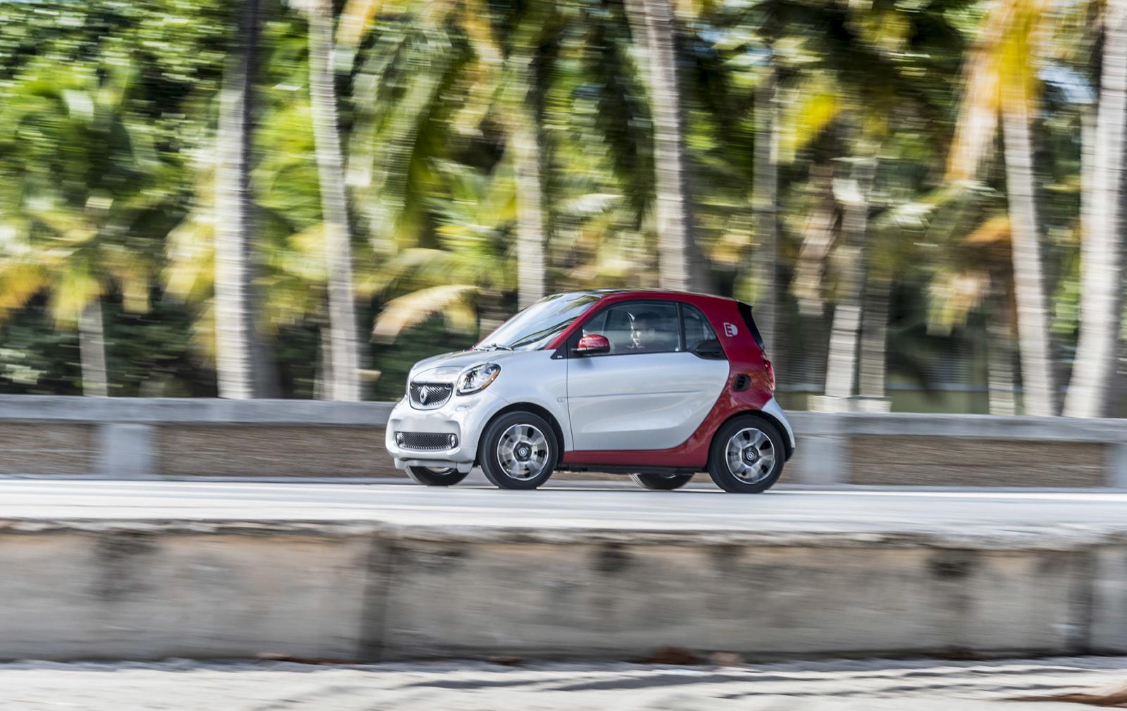 Foto de smart fortwo Electric Drive, toma de contacto (40/313)
