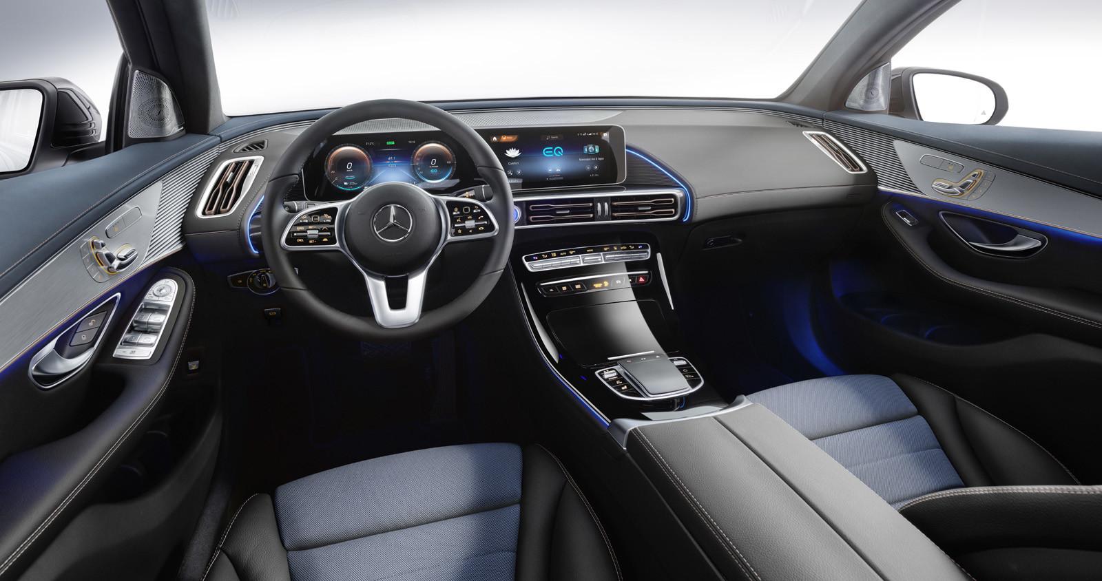Foto de Mercedes-Benz EQC 2019 (53/74)