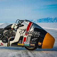¡Brutal! La Indian Appaloosa 2.0 intentará ponerse a 250 km/h en un lago helado para batir el récord de velocidad