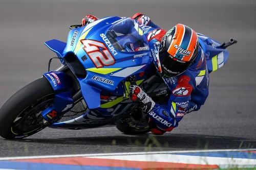 ¡Sorpresa en Texas! Álex Rins bate a Valentino Rossi tras la caída de Marc Márquez
