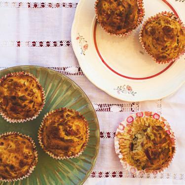 Cómo hacer muffins salados de jamón, manzana y queso pecorino, receta para un picoteo original