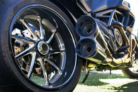Ducati Diavel Carbon vista posterior
