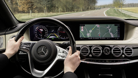 El renovado Mercedes-Benz Clase S está al caer... y ya podemos ver su interior