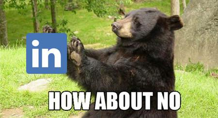 LinkedIn añade GIF animados a su mensajería para... algo