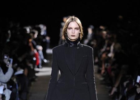 Givenchy quiere que saquemos nuestro lado más oscuro en su colección Otoño-Invierno 2012/2013
