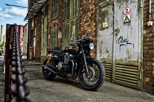 Yamaha XJR 1300 Iron Heart, yard built con estilo