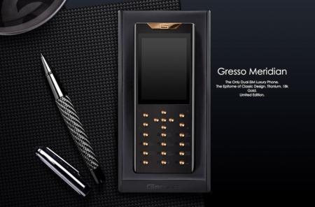 El teclado de oro tiene la culpa de que este móvil no smartphone cueste casi 10.000 euros