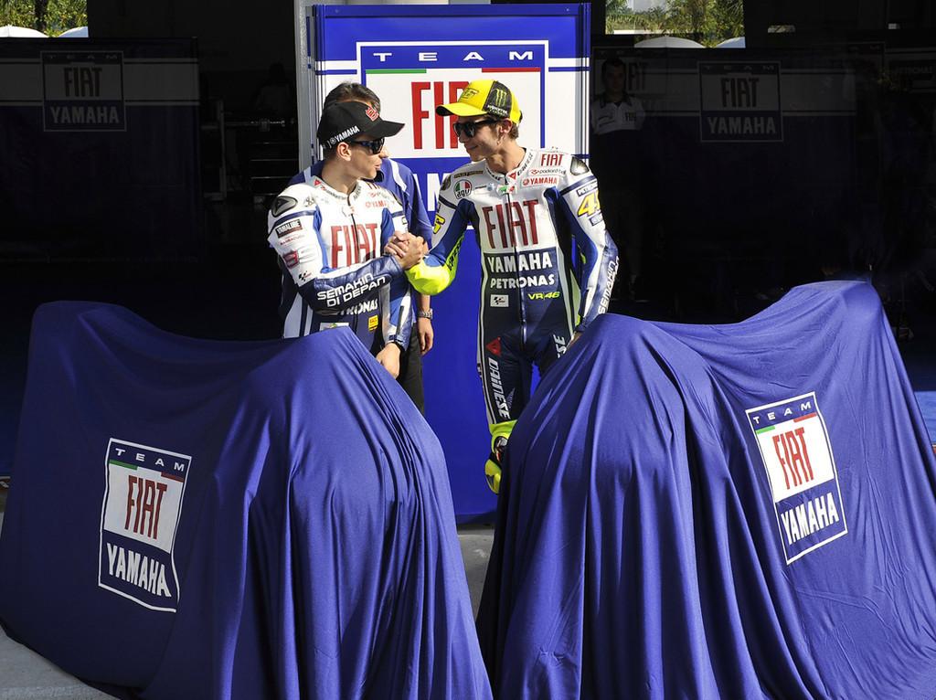 Foto de Presentación del equipo Fiat Yamaha 2010 (9/12)