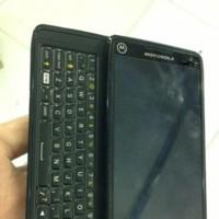 Un nuevo Motorola con teclado QWERTY aparece en escena, ¿Droid 5?