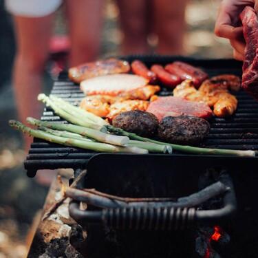 Nueve barbacoas de carbón en las que cocinar carne, pescado o verduras este verano
