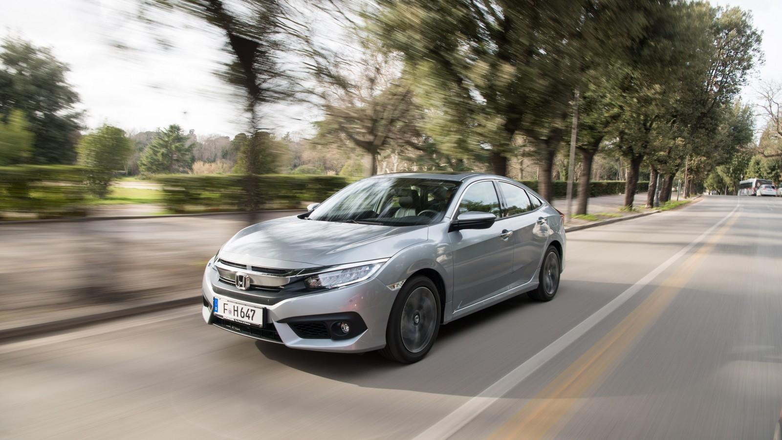 Foto de Honda Civic 4 puertas (21/37)