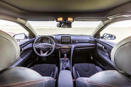 Hyundai Veloster Turbo 2019 11