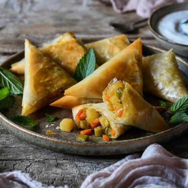 Siete recetas veganas para un picoteo del finde sin alimentos animales (que disfrutarán todos)