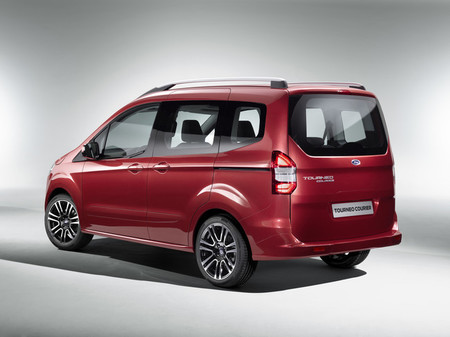 Ford Tourneo Courier 2013, vista posterior