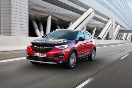 El Opel Grandland X estrena el sistema Hybrid4 de PSA con 300 hp