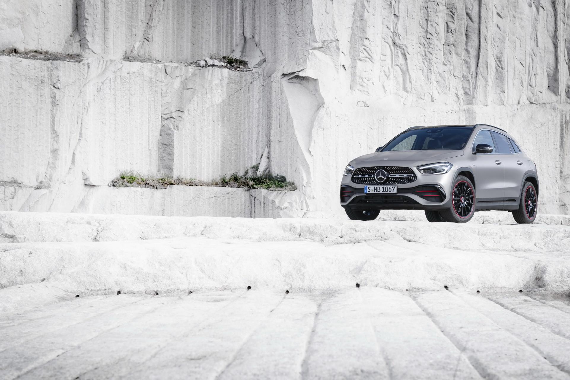 Foto de Mercedes-Benz GLA 2021 (51/103)