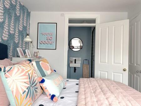 Antes y después: un dormitorio que se llena de luz y color y que incluye reforma de cuarto de baño