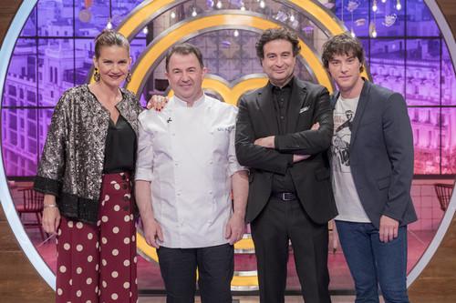 Los aspirantes a MasterChef cocinan ante Martín Berasategui sin mostrar avances, en un programa con un final sorprendente