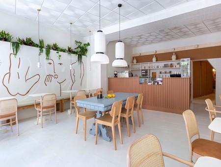 Madrid tiene nuevo sitio de moda: el Agrado Café acaba de abrir sus puertas en el Rastro