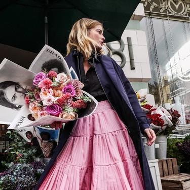Prada convierte las flores frescas en un complemento de lujo con los preciosos ramos que ha puesto temporalmente a la venta