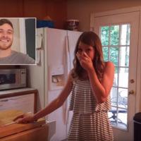 El sorprendente momento en el que un hombre le anuncia a su mujer que la vasectomía falló y que tendrán su cuarto hijo