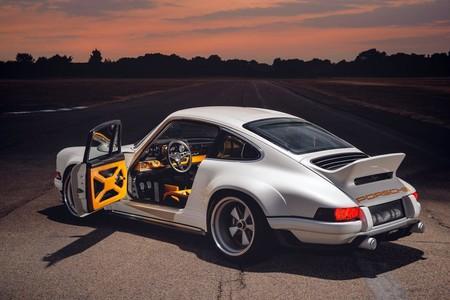 Este Porsche 911 se llama Singer DLS y es una bestia atmosférica de 507 CV desarrollada junto a Williams