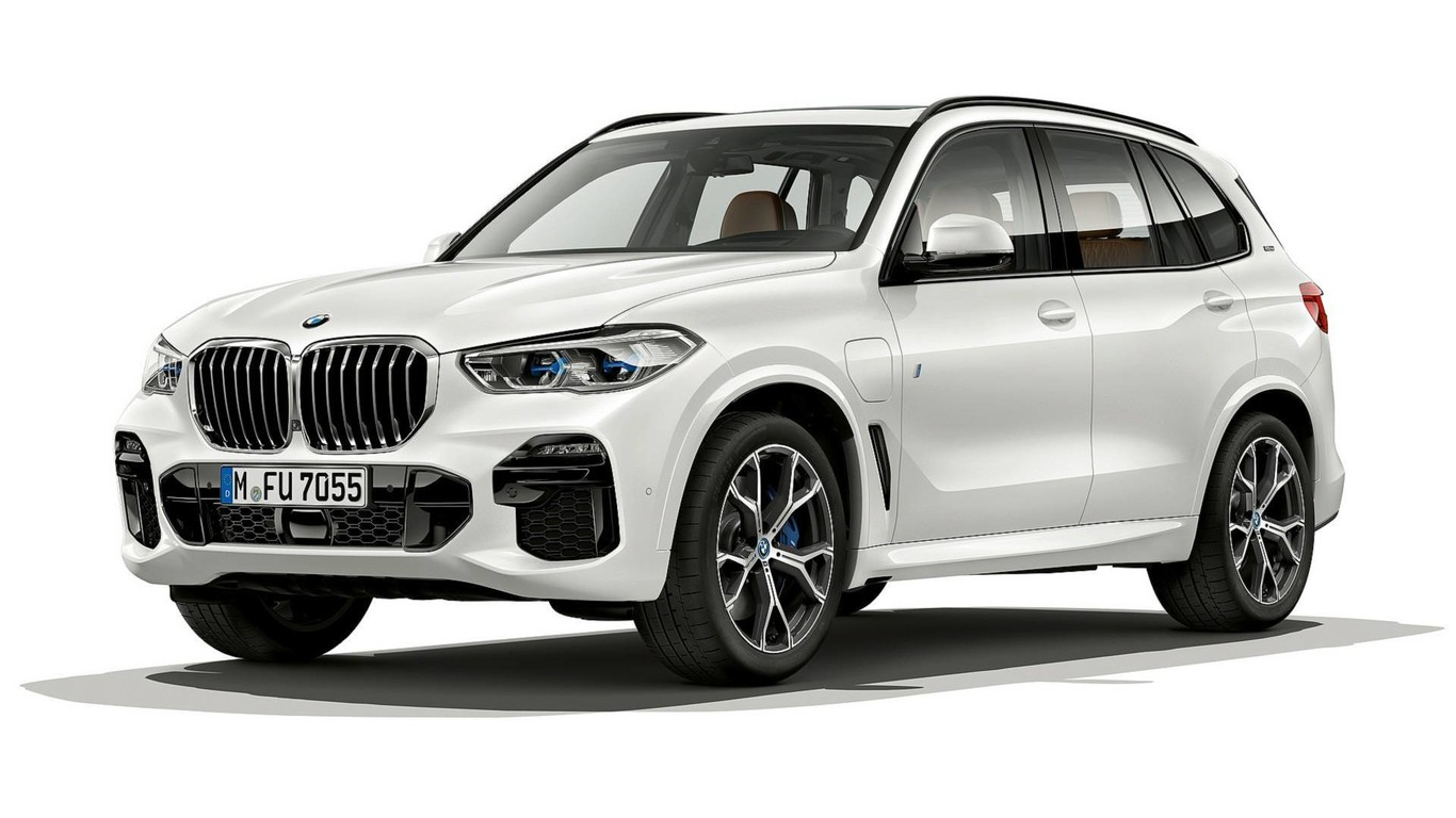 El BMW X5 híbrido enchufable o xDrive45e promete una autonomía eléctrica... ¡de hasta 80 kilómetros!