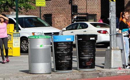 Nueva York podría cambiar por primera vez en muchos años sus característicos contenedores de basura