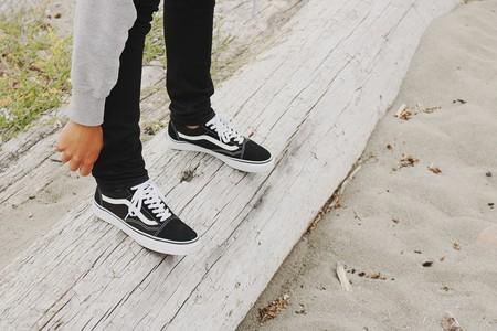 Zapatillas Vans, Nike o Adidas en oferta en El Corte Inglés con recogida rápida Click&Car