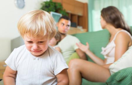 Esos padres que hablan de sus hijos como si fueran inútiles
