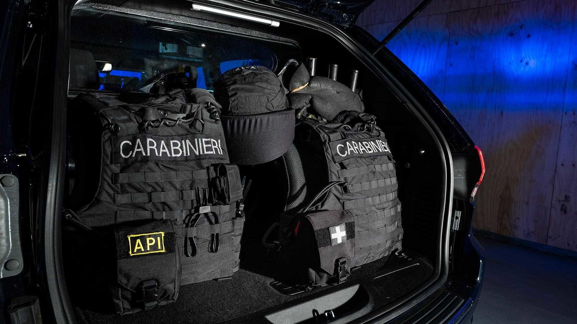 Foto de Jeep Grand Cherokee Carabinieri (14/15)