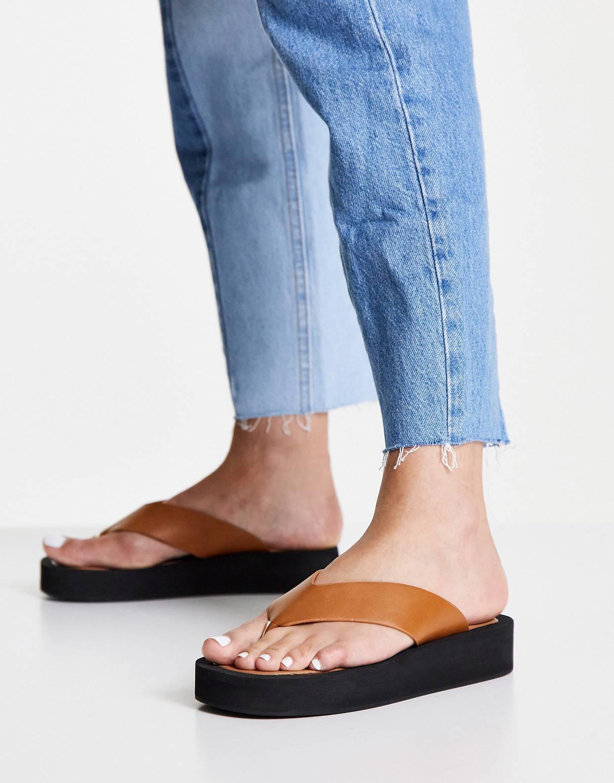 Sandalias de dedo de Truffle Collection