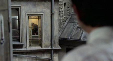 fr-le-locataire-the-tenant-1976-de-et-avec-roman-polanski-isabelle-adjani-melvyn-douglas-film-dvd-rip-cd-divavi_snapshot_002452_20100303_113413.jpg