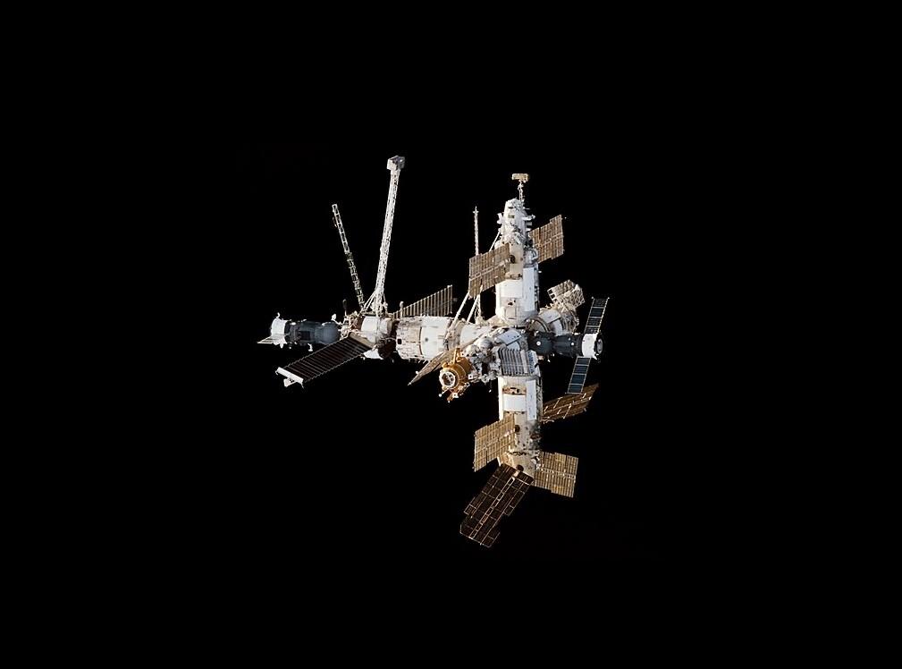 Cuando la Rusia ponía satélites en órbita... lanzándolos a mano