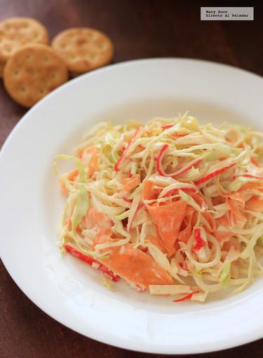 Ensalada de surimi, col y zanahoria. Receta de Cuaresma