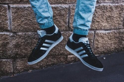 Chollos en zapatillas en la web oficial de Adidas: descuentos de hasta el 50% y oportunidades desde 32,50 euros