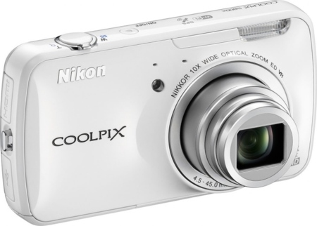 Nikon CoolPix S800c de blanco