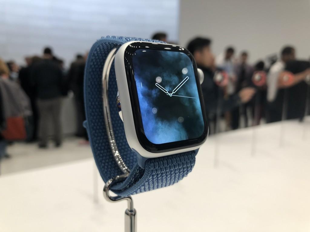 El Apple™ Watch Series cuatro gana el premio a mejor monitor del año por su panel OLED