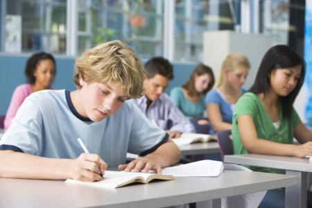 El estrés sufrido por los alumnos de Secundaria puede ocasionar dolencias: ayuda a tus hijos a prevenirlo
