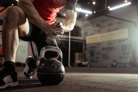Kettlebell o pesa rusa: ¿cuál es mejor comprar? Consejos y recomendaciones