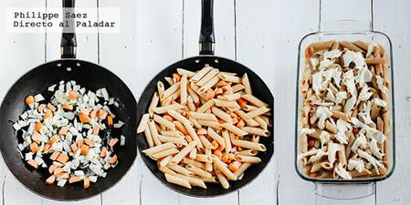 Gratinado de pasta con salchichas en salsa de champiñones. Receta fácil de conveniencia para el fin de semana