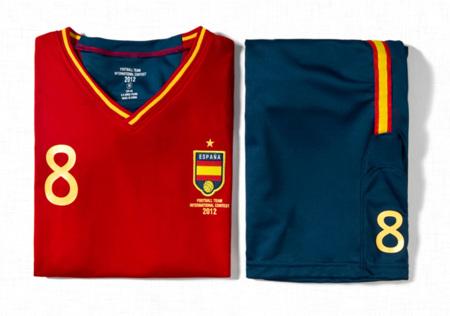 Zara con la selección española: uniformes cortos para niño