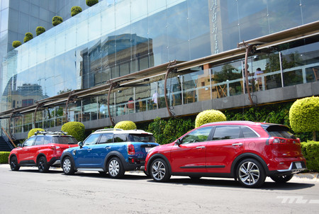 Kia Niro Vs Suzuki Vitara Vs Mini Countryman 9