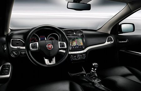 Puesto de conducción del Fiat Freemont
