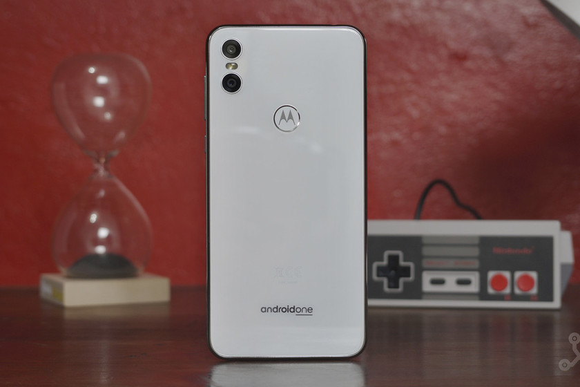 The Motorola One is one of the first smartphones to receive Android