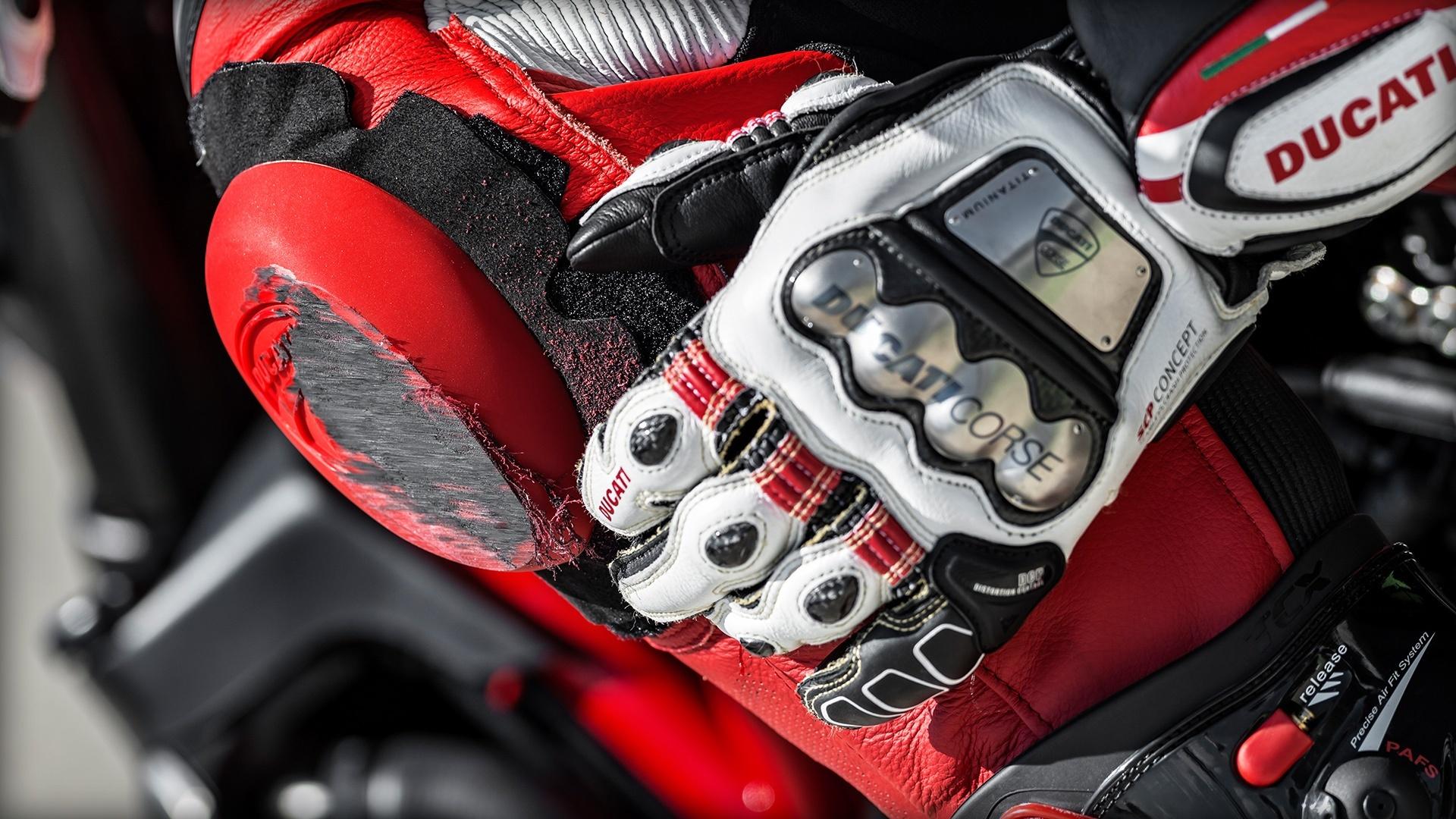 Foto de Ducati Monster 1200 R (11/30)
