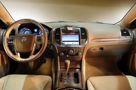Lancia Thema interior 3