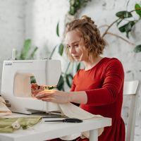 Ya puedes cumplir uno de tus propósitos de este nuevo curso aprendiendo a coser con esta máquina Brother rebajada hoy en Amazon